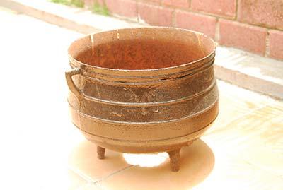 three-foot-pot-online